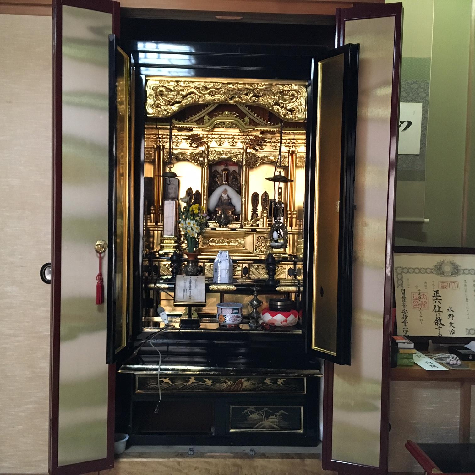 お預かりした法華宗のお仏壇です。